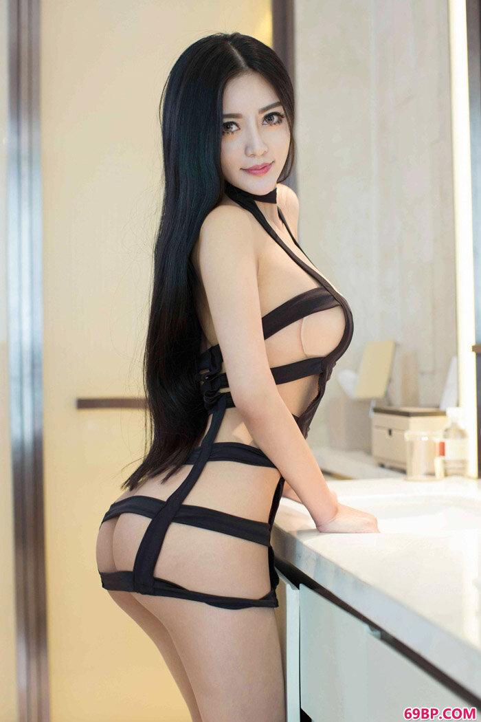 尤果美仙子佳佳条纹情趣内裤写照_西西人体模特1rtys.cc