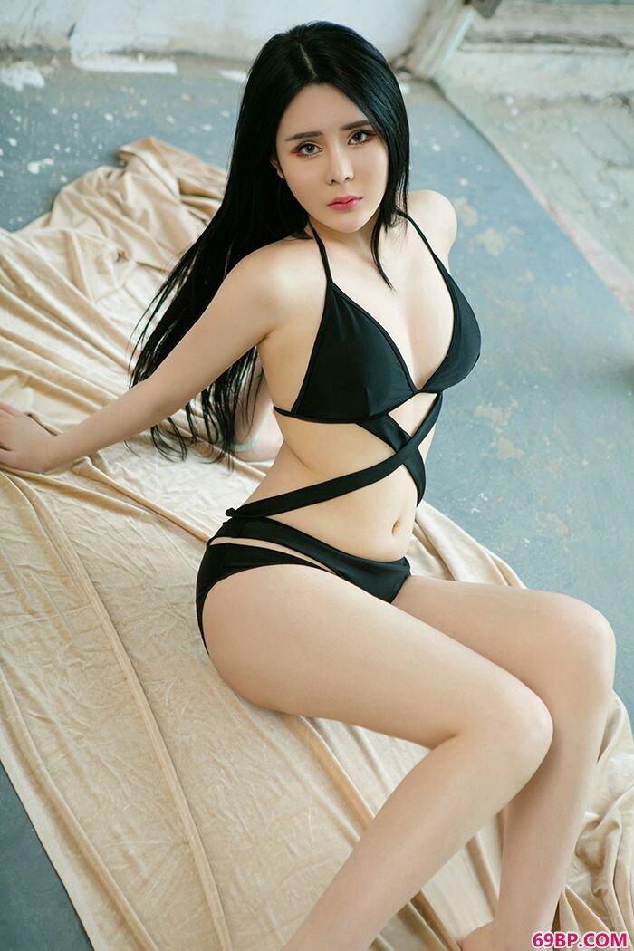 性感御姐惠子雪肌美胸眼神楚楚惹人怜_西西人体www44at.net