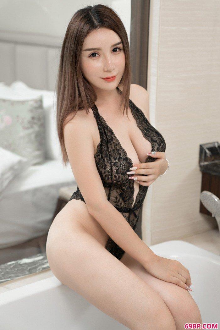 寂寞女人陈秋雨情趣蕾丝香艳欲滴_处破30p