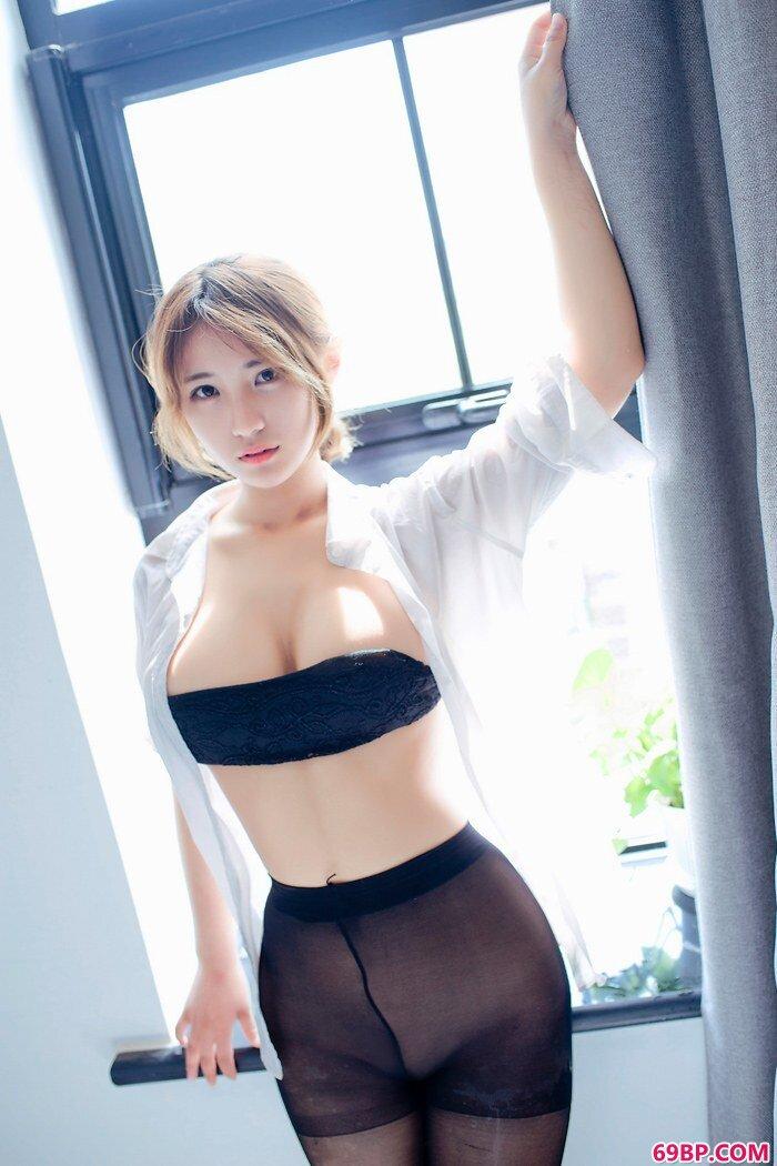 黑丝软妹子久久美乳美臀前凸后翘_顶级少妇开腿裸体图片