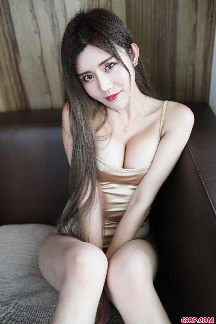 绝色美妇卓娅祺全裸情欲乍现_11P不戴套