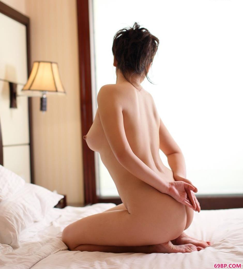 美模波普娃娃宾馆里的瑜伽美体_熊吖bob宅男女神