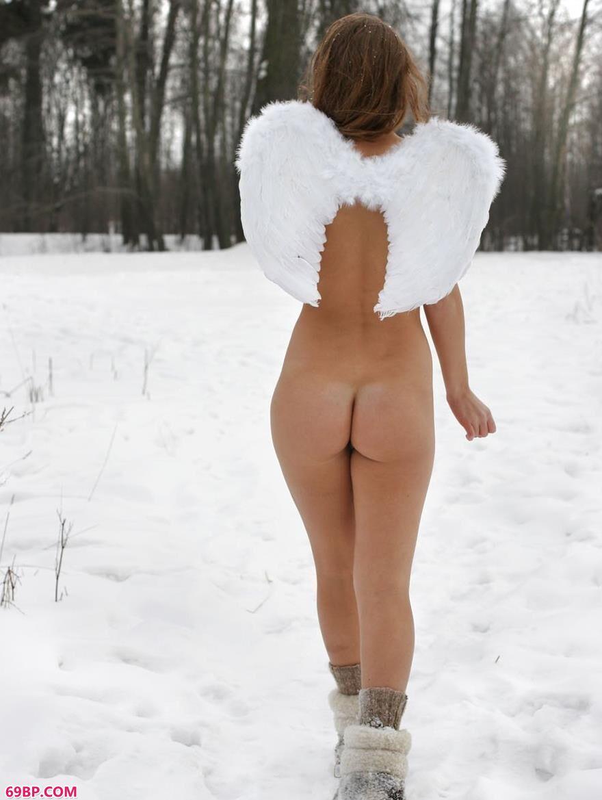 雪中天使克里斯蒂娜3