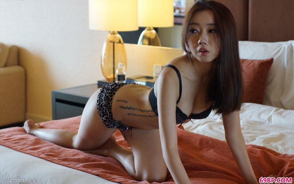 SG模特李洁西约拍娇嫩蜜汁鲜鲍鱼人体