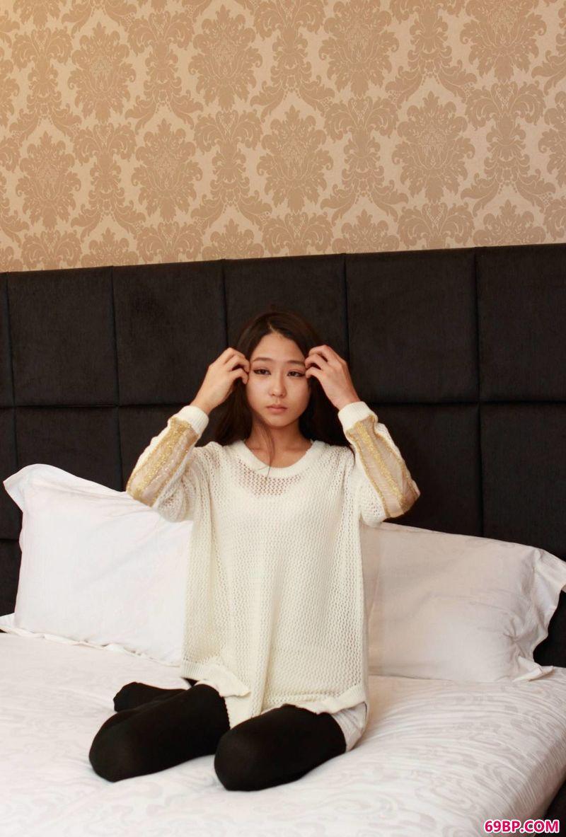 萌萌的女生林小葵美体_日本人体艺术写真