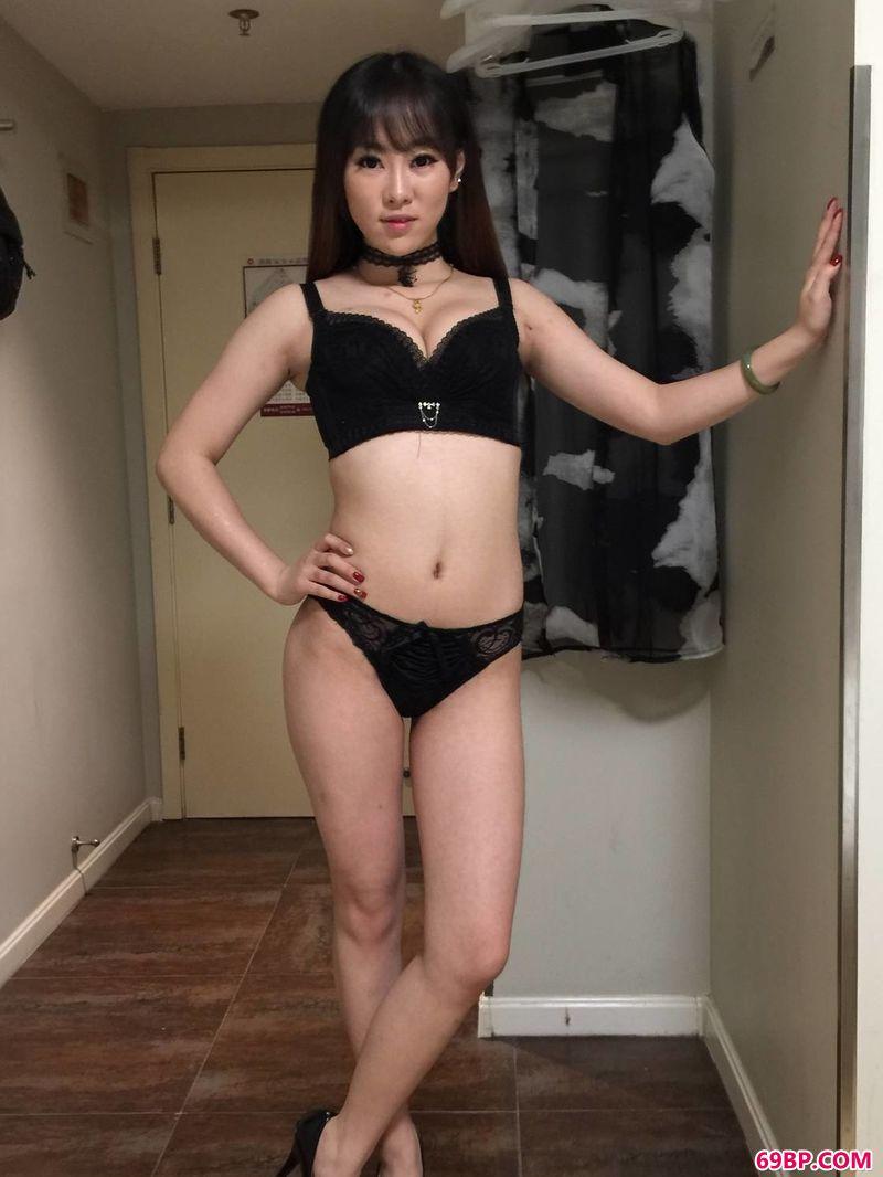 国产亚洲熟妇yin36.xyz_狂野奔放的小妖